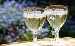 Mullfest Pärnu mullitab kevadpühad klaaside kokkulöömine